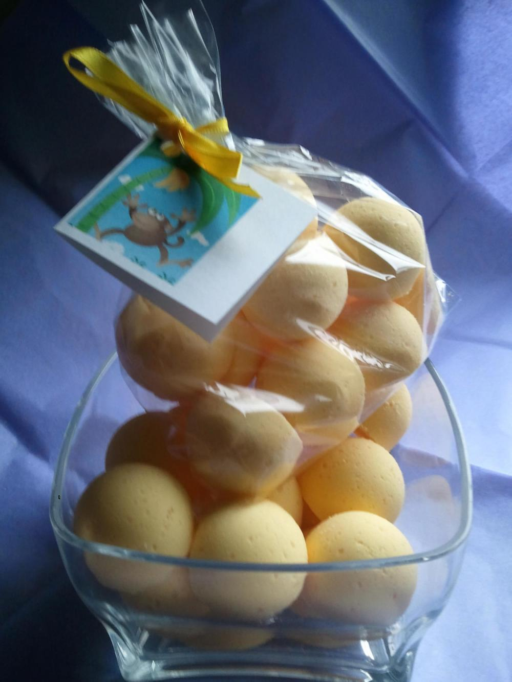 12 bath bombs 1 oz each (Monkey Farts) gift bag bath fizzies, great for kids...and adults too